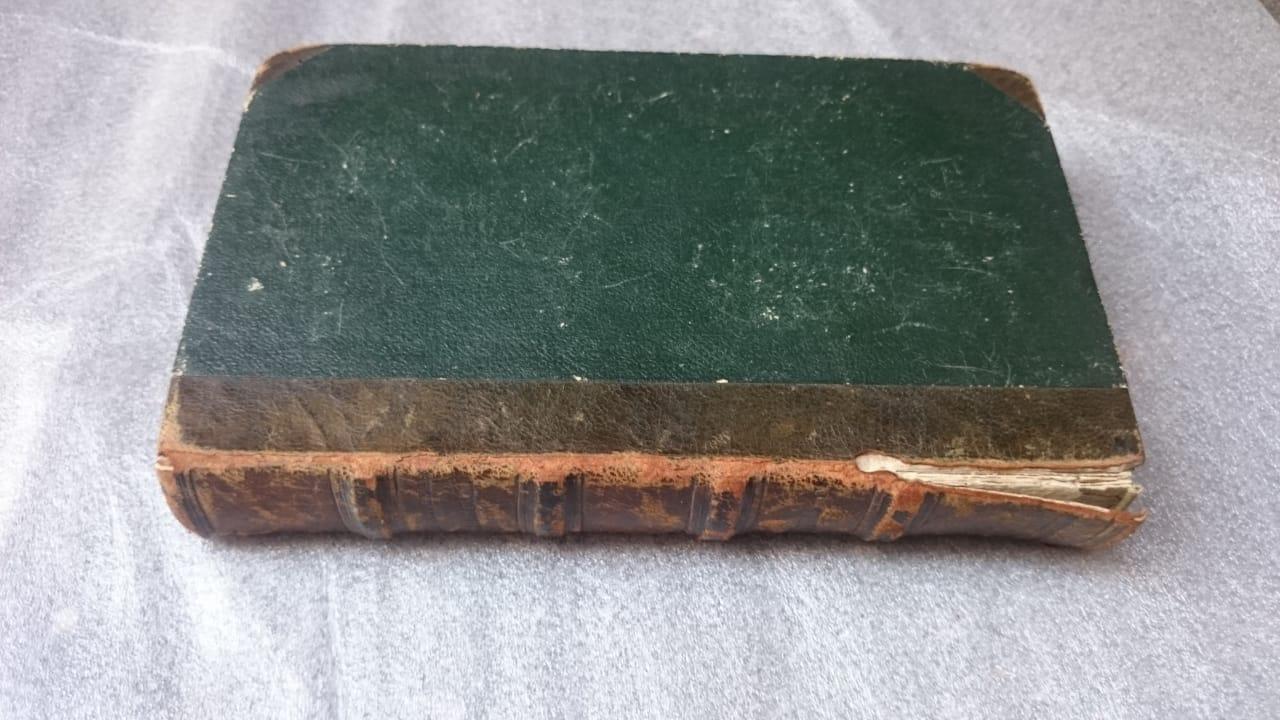 продать антикварные книги, как фотографировать